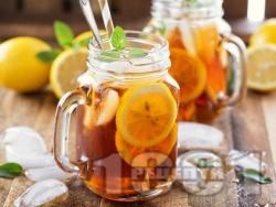 Студен ментов черен чай с джинджифил, канела, мед, лимон и карамфил - снимка на рецептата